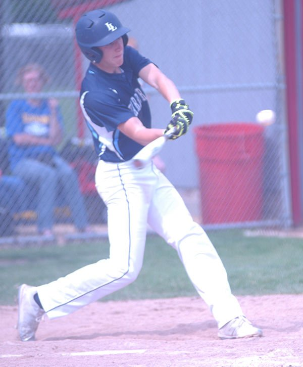 Hornets topple Warriors in sectionals 6-1