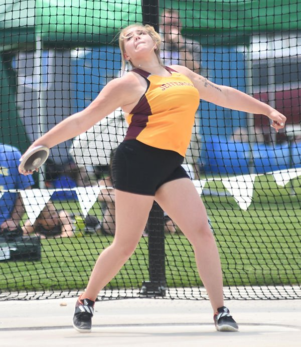 Kloss fifth in state discus