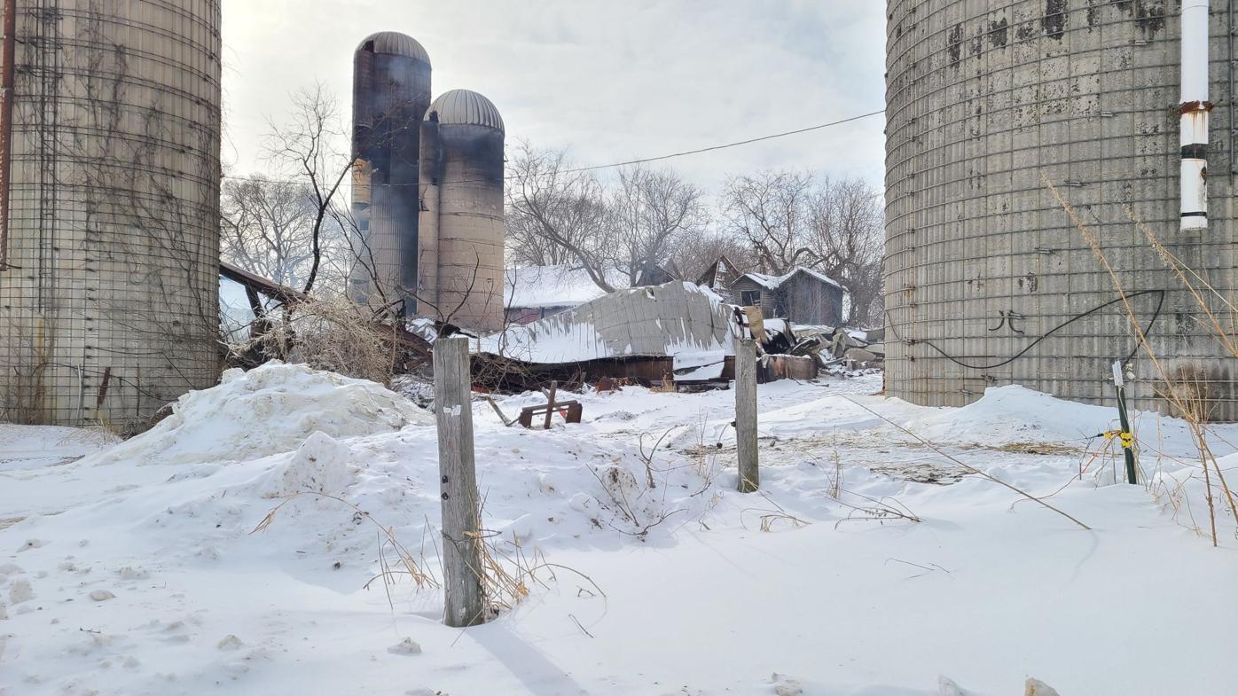 Ixonia barn fire