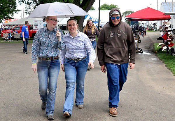 Rain doesn't dampen fair smiles