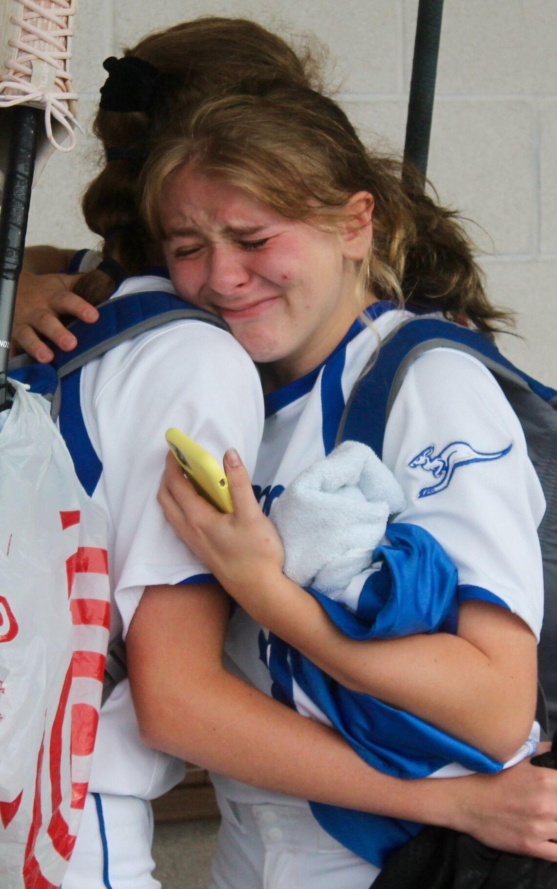 WF Lauren Belles cries