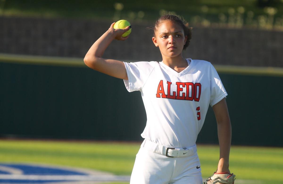 AO Audrey Pearce throws