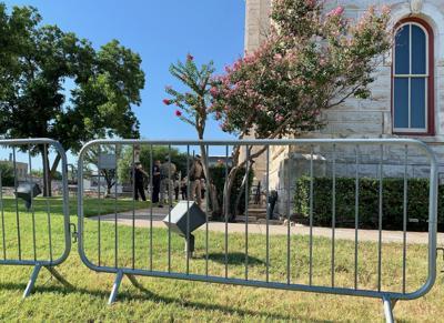 Courthouse barricades