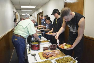 WC, volunteers bond with international students for Thanksgiving