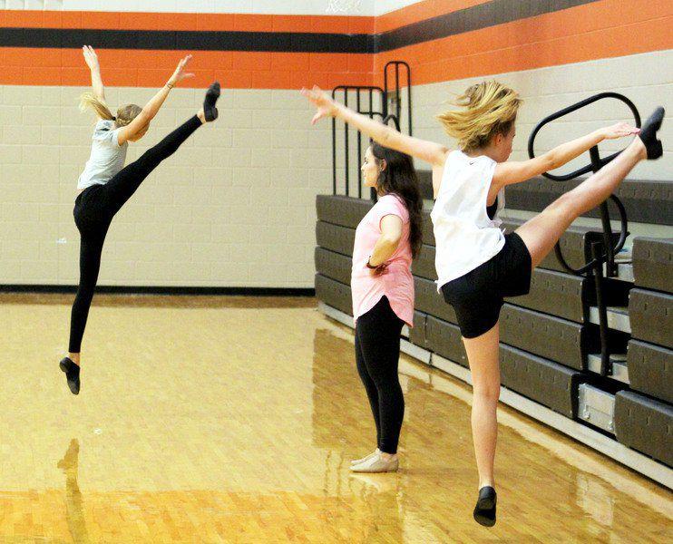 New AISD dance director looking to rebuild program through clinics