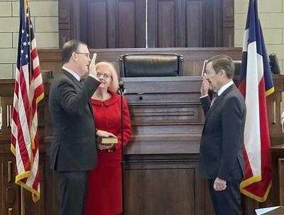 Parker County elected officials sworn in; Swain officially becomes Parker County DA