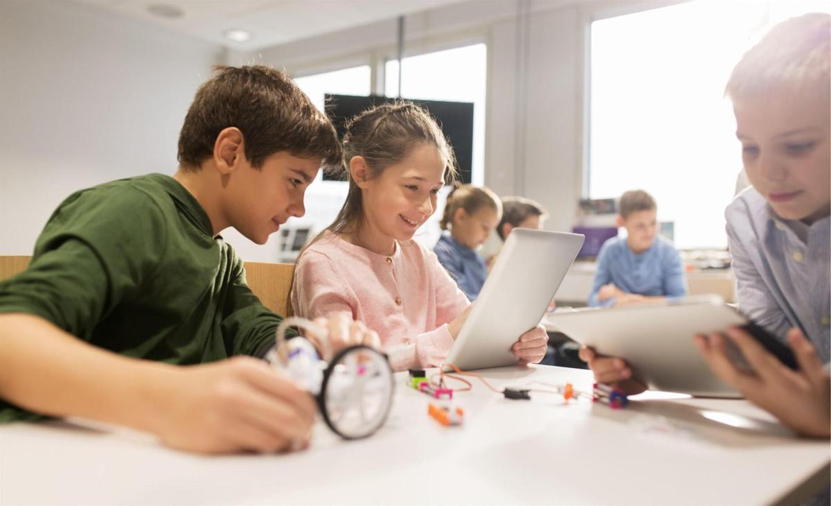 In West Hartford, NextGen SmartyPants engages students with STEAM program