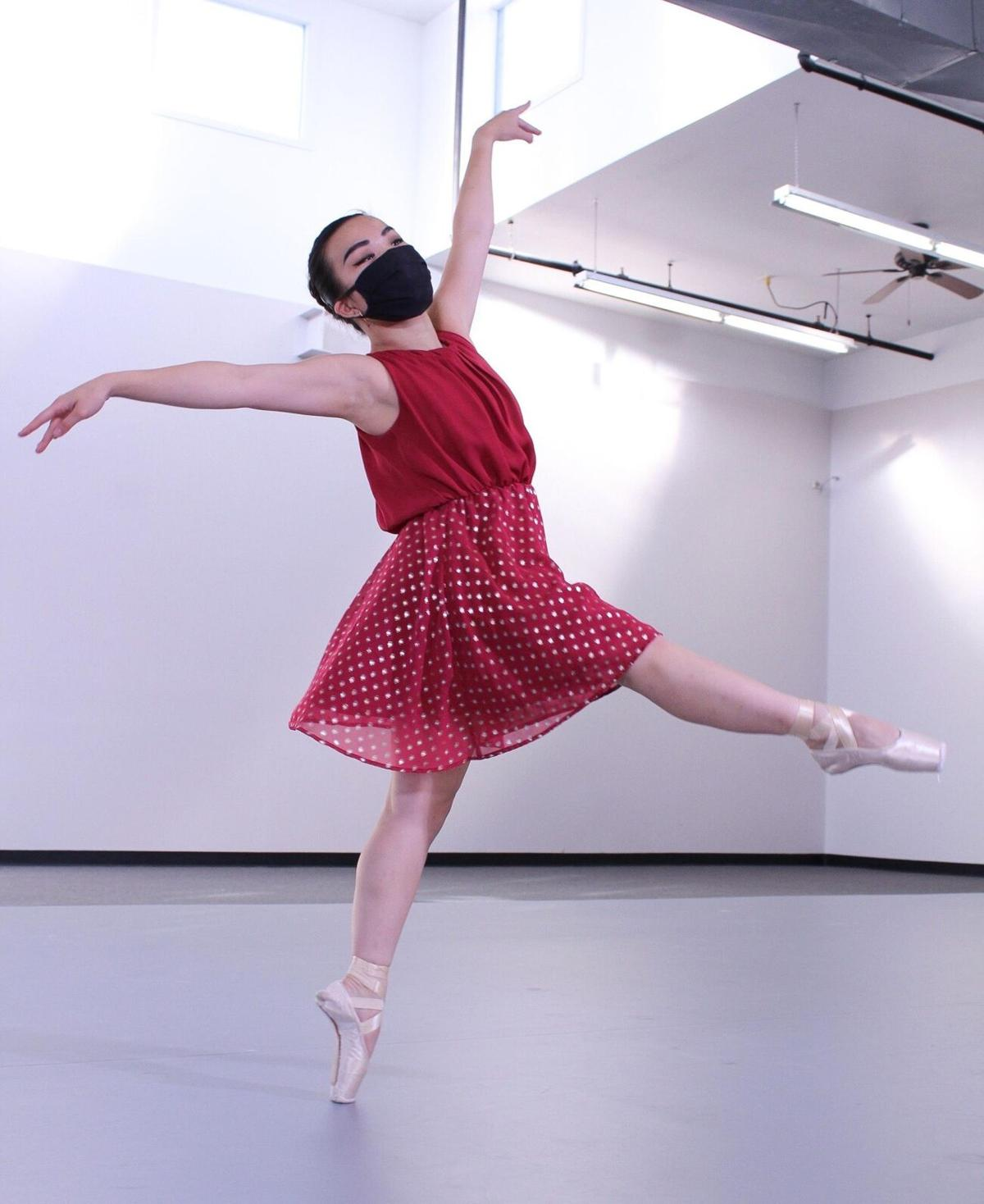 In West Hartford, Ballet Theatre Company streams new solos in 'Up Close: Flashes'