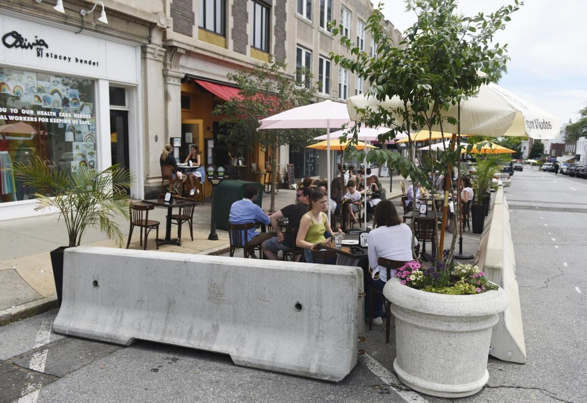 Proposal would extend outdoor dining rules in West Hartford