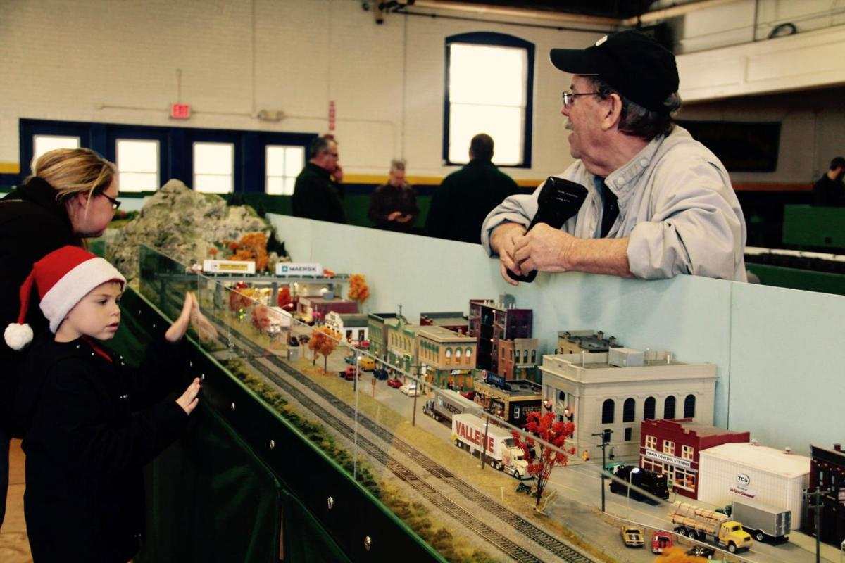 West Hartford resident helps arrange Torrington Model Railroad weekend show, food drive
