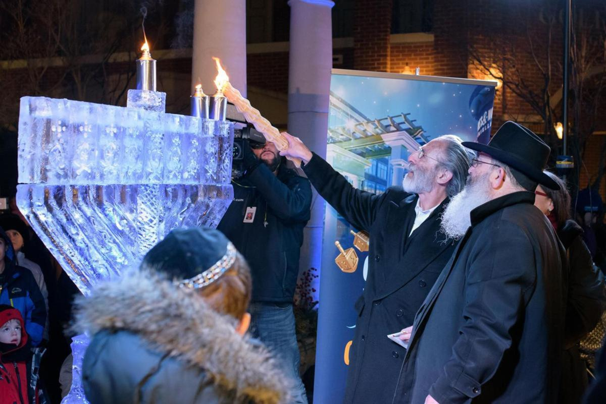 Annual Fire on Ice event in West Hartford celebrates Chanukah