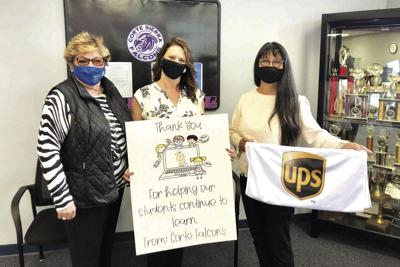 Corte Sierra Elementary School Principal Tanya Rotteger and Colleen Dellolio-Coons of UPP