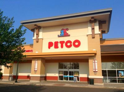 Petco Is Offering A Free Nail Trim For Dogs