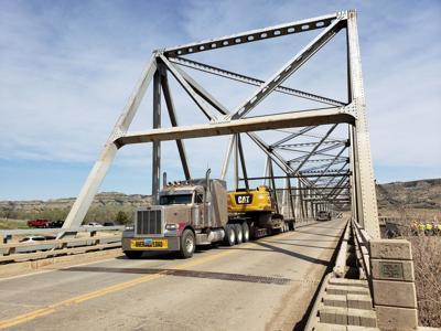 Building mug: LongX bridge