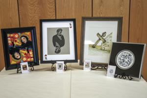 A-great-'deal'-on-art:-Art-group-creates-cards-from-original-works
