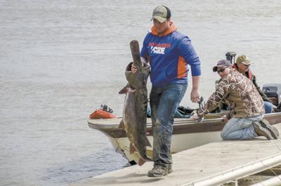 North Dakota paddlefishing season starts May 1