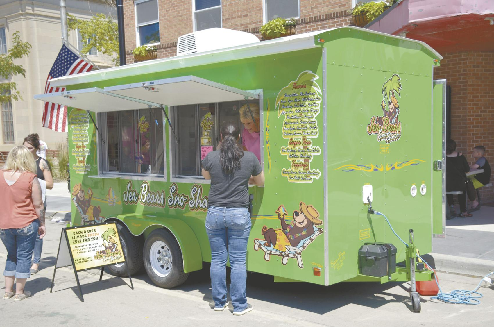 North Dakota City Commission votes to allow food trucks