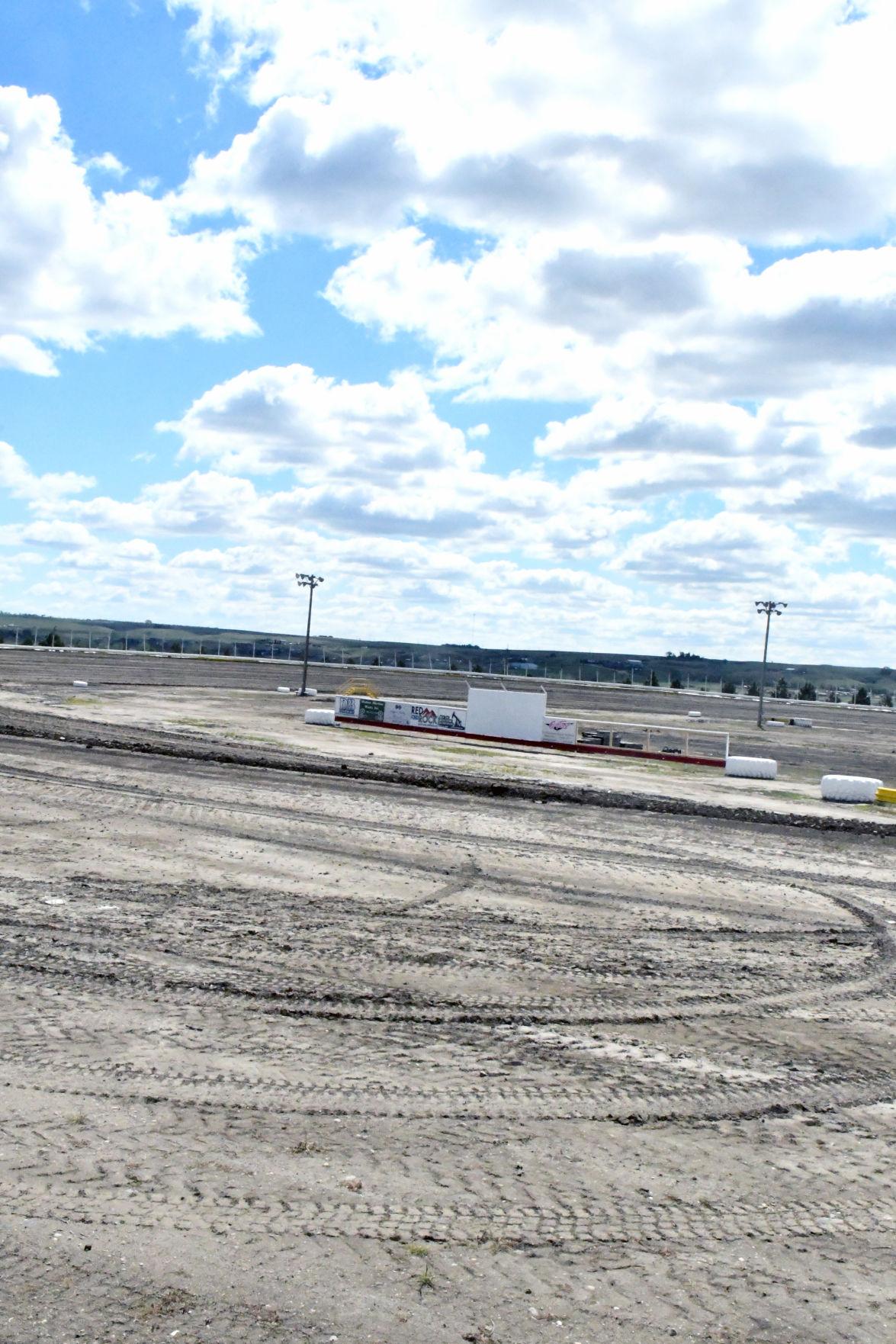 racetrack1.jpg