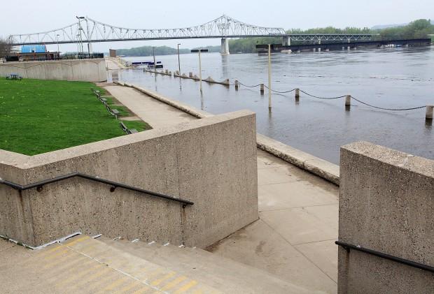 Levee Flood 5/11/11