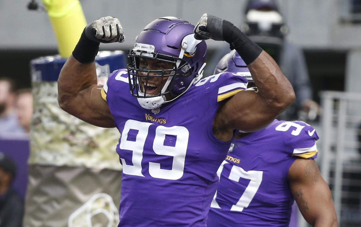sports shoes f3a35 47d66 Vikings DE Danielle Hunter 'stronger, quicker' -- and a year ...