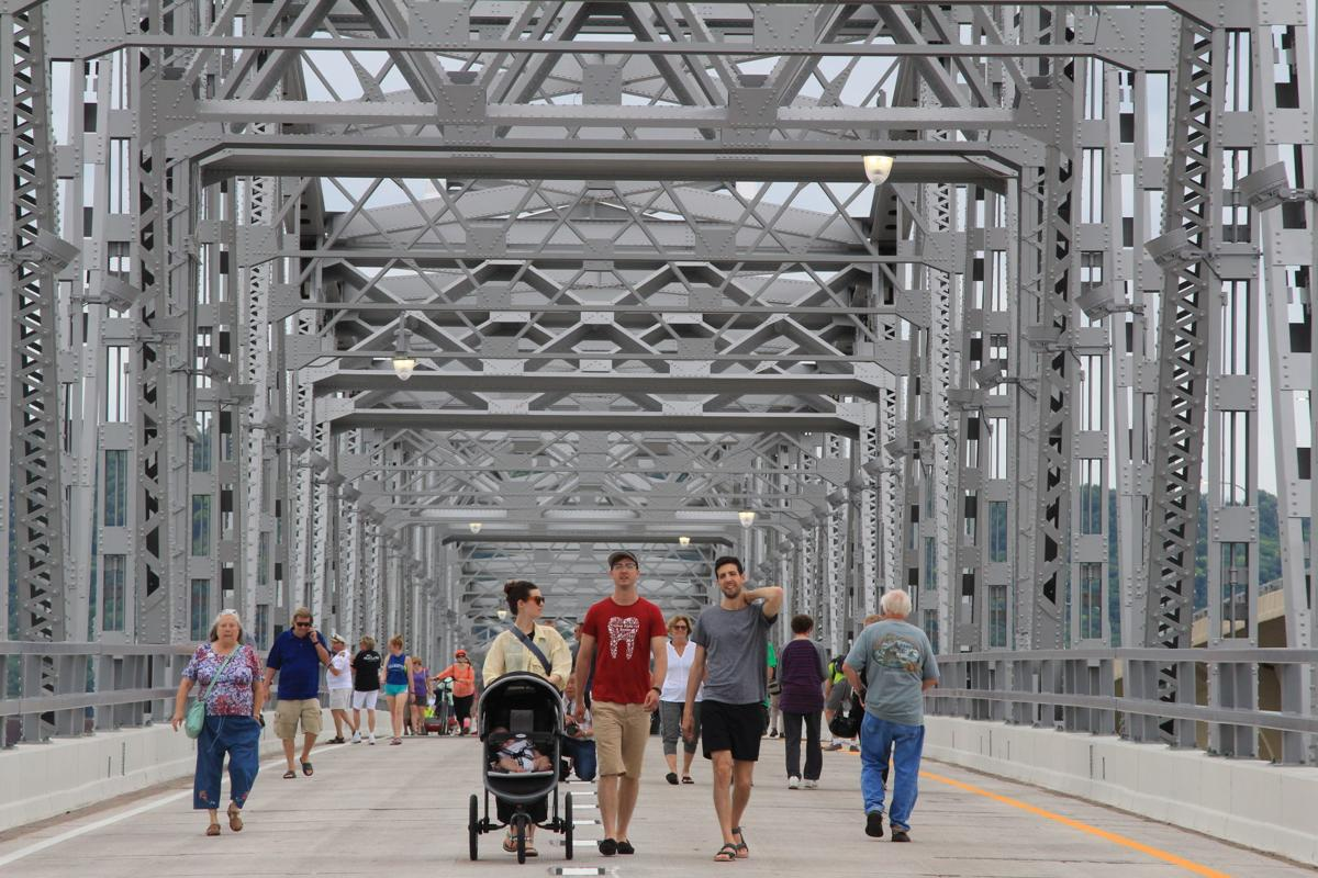 Historic interstate bridge 1