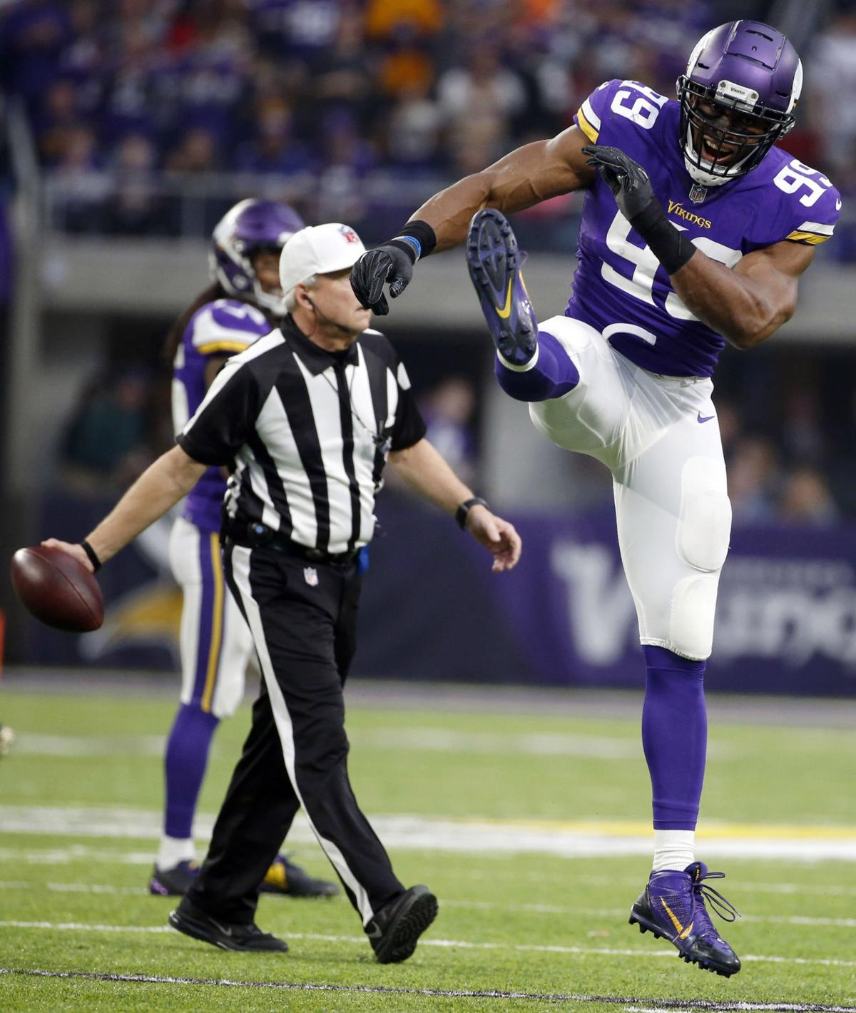 vikings-photo. Minnesota Vikings defensive end Danielle Hunter ... 885667b76