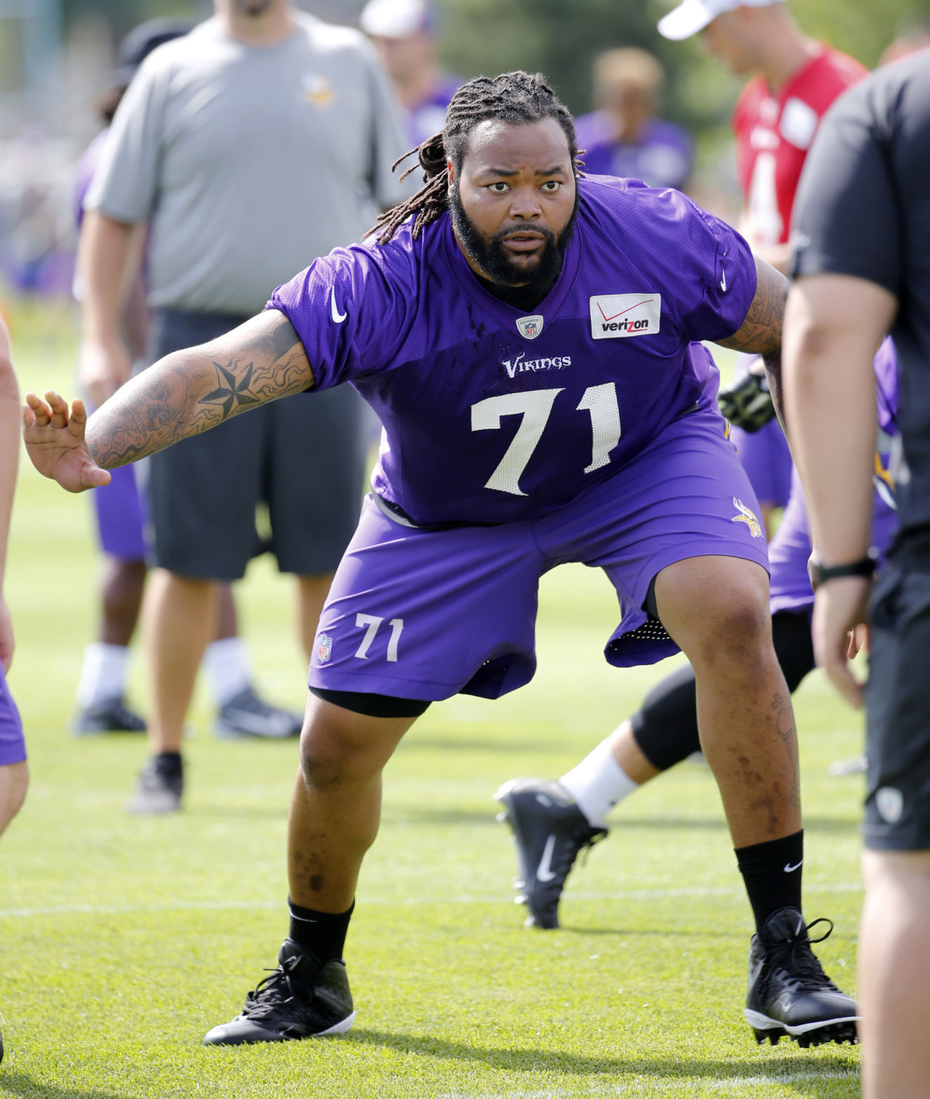 Latest injury pushes tackle Phil Loadholt into retirement | Sports ...