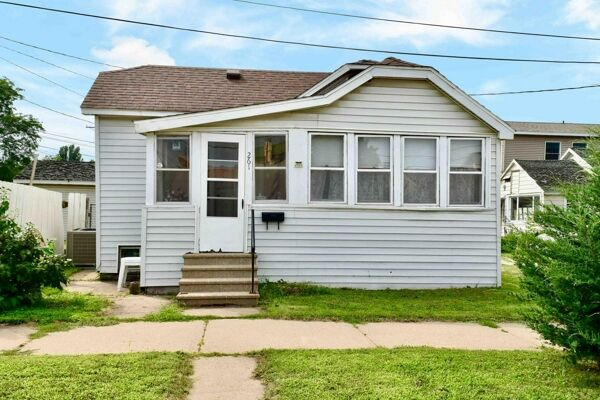 1 Bedroom Home in Winona - $84,900