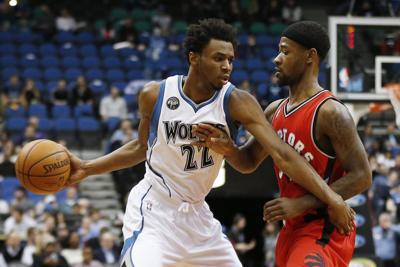 27de7bd5e Wolves cap comeback to down Raptors