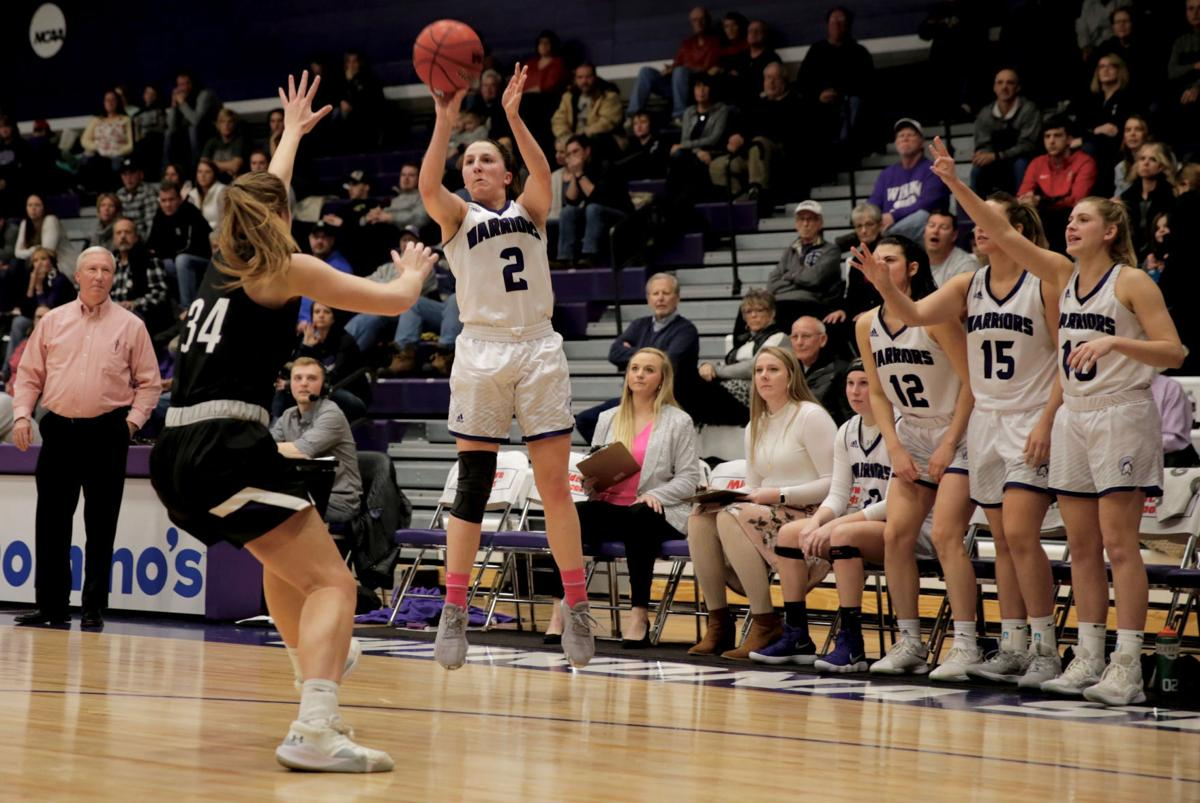 Winona State Basketball vs Sioux Falls