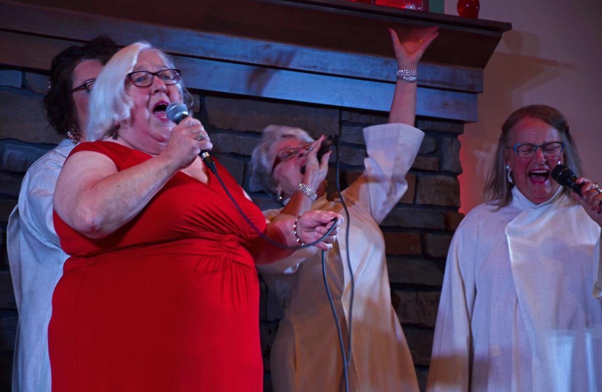 Cabaret singers