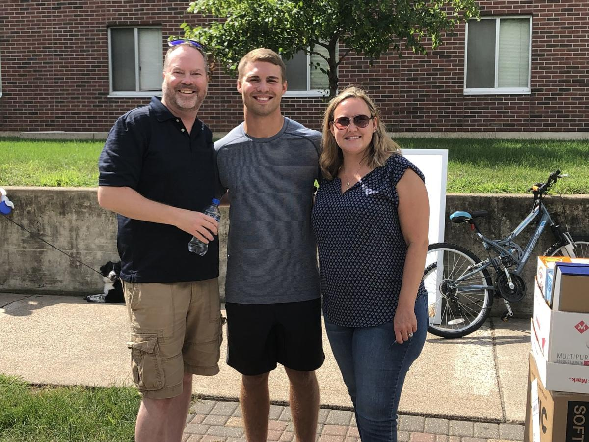 WSU freshmen move in