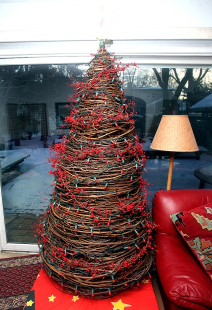 Make Your Own Grapevine Tree Home And Garden