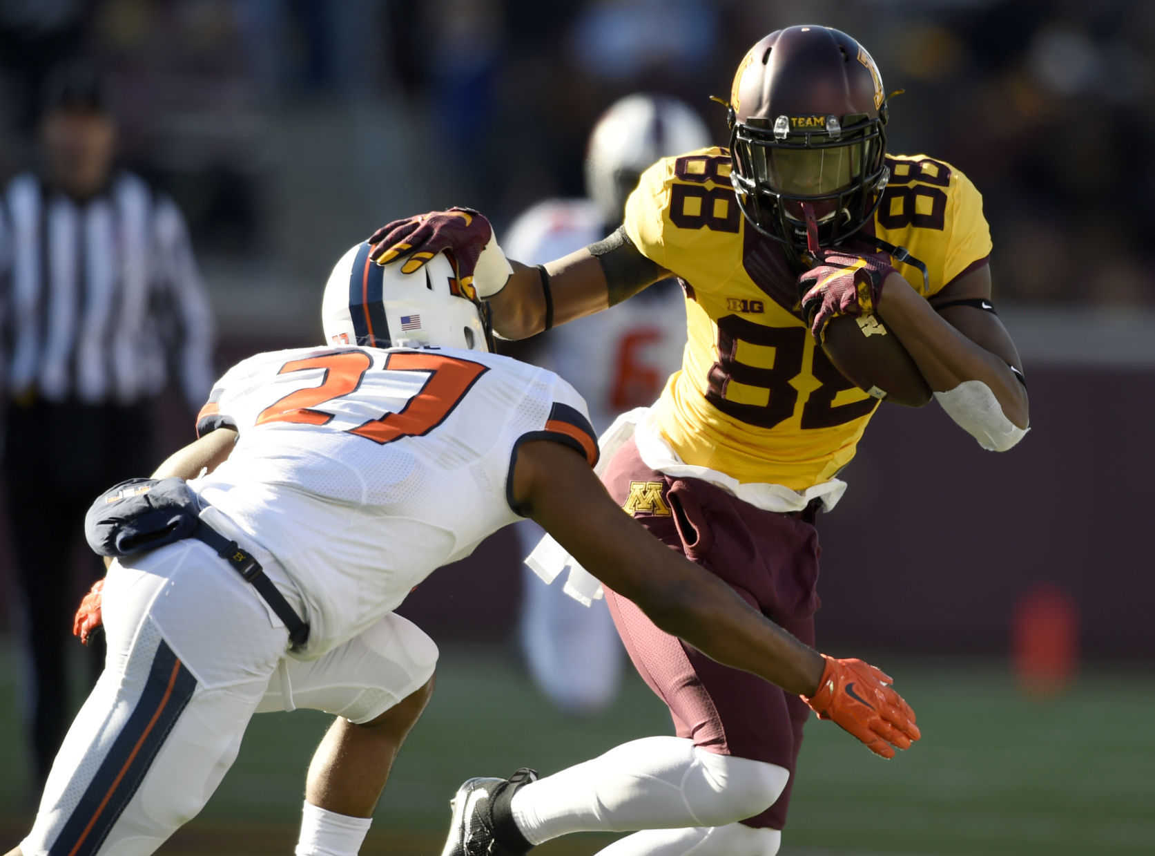 Watch Minnesota surprise kicker Justin Juenemann with full scholarship