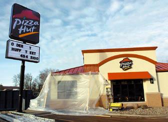 Wondrous New Pizza Hut Ready To Open News Winonadailynews Com Home Remodeling Inspirations Gresiscottssportslandcom