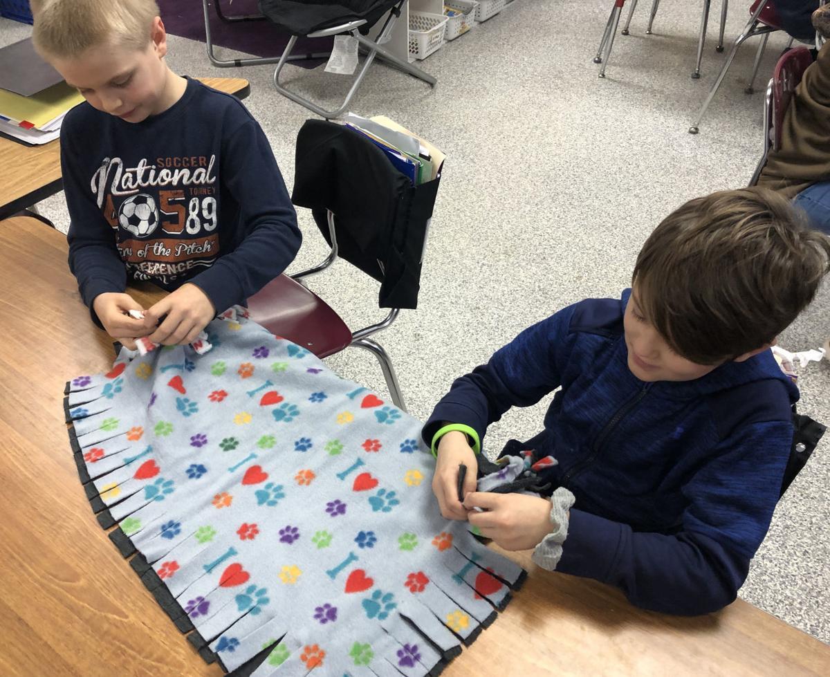 Hillsboro students make blankets