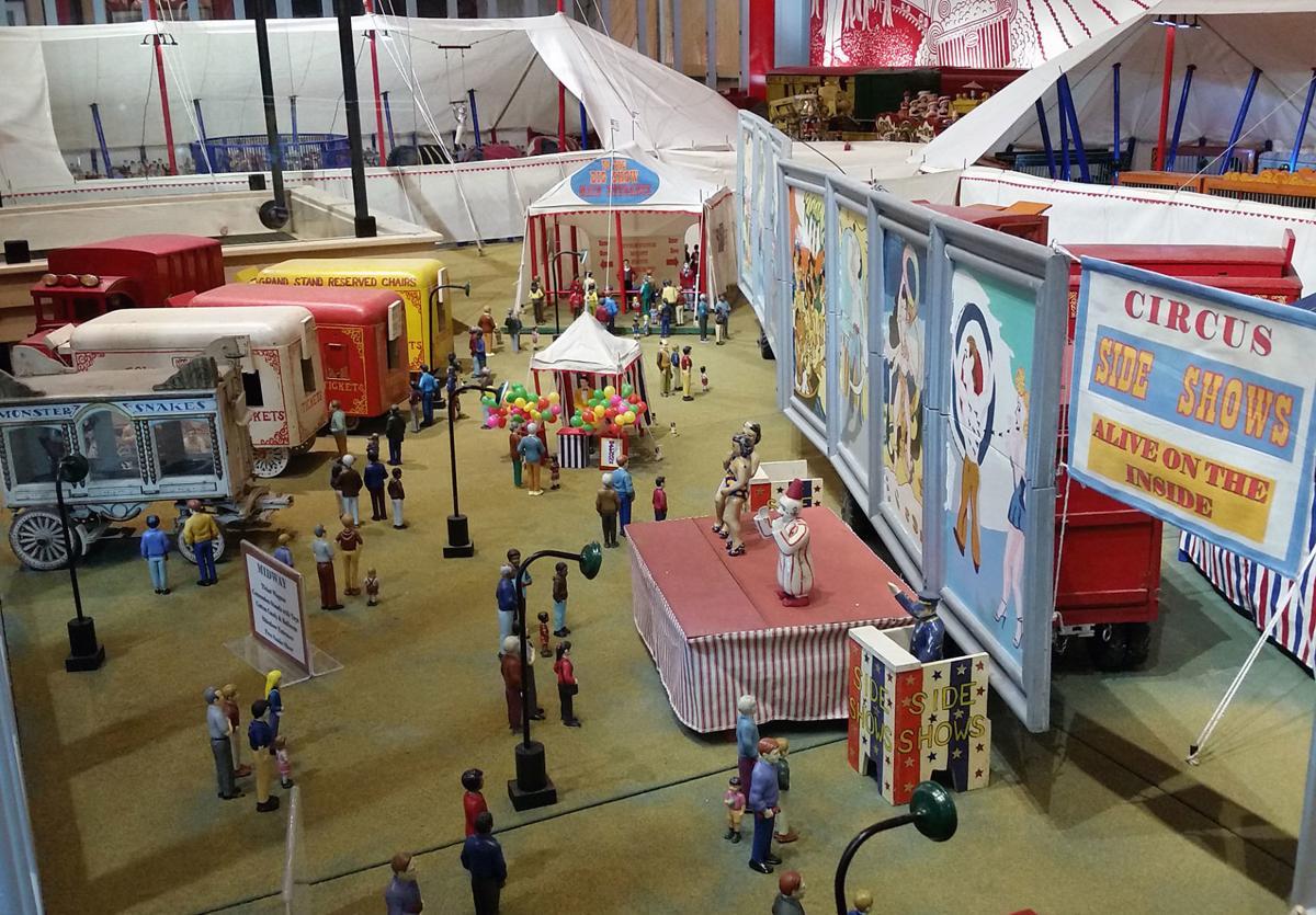 Miniature circus midway