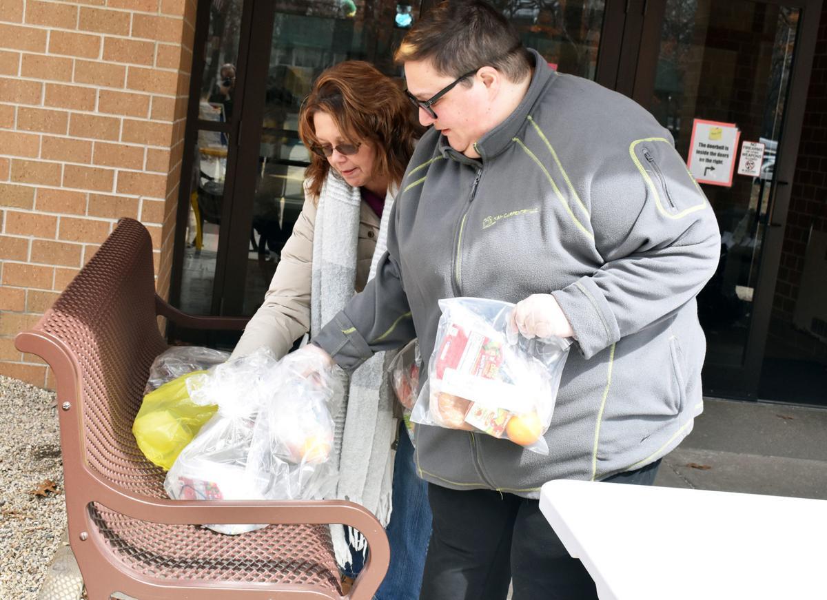 Wednesday food distribution - Portage