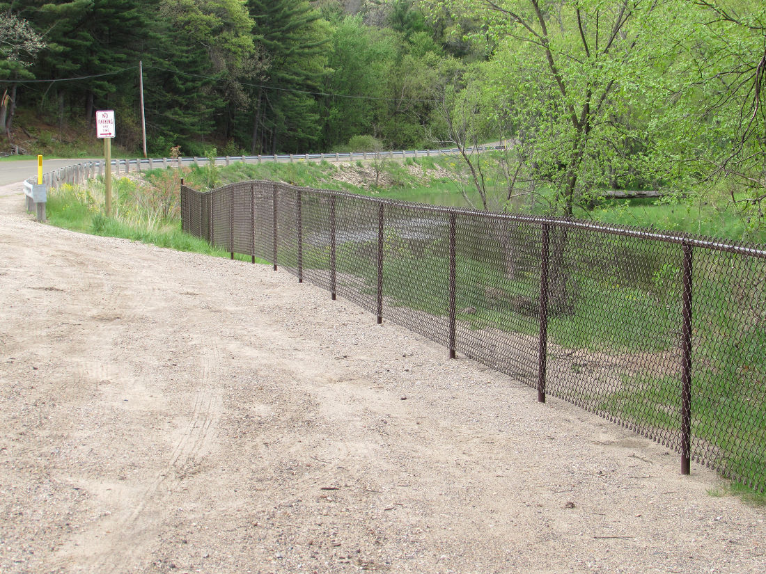 Upham Woods fences off river access