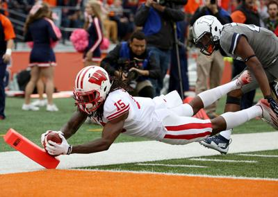 badgers football preseason bowl projections for wisconsin college
