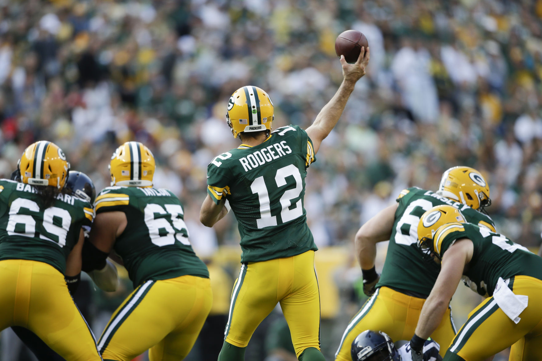 Green Bay Packers: Quick game is solution to offensive line problems