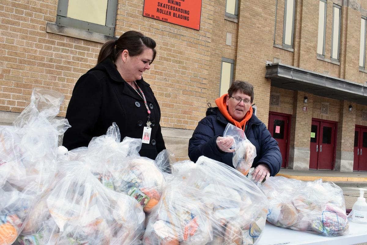 Schools continue food service