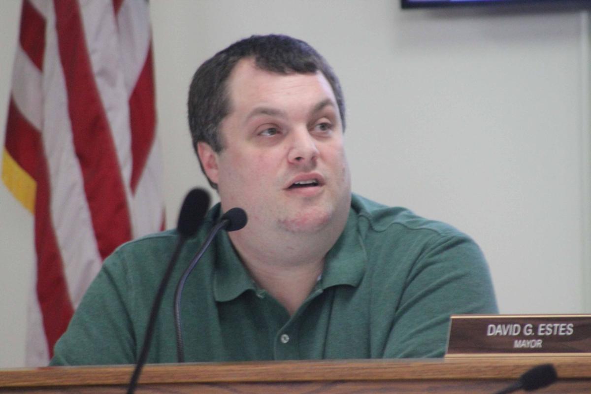 Mayor Estes at meeting