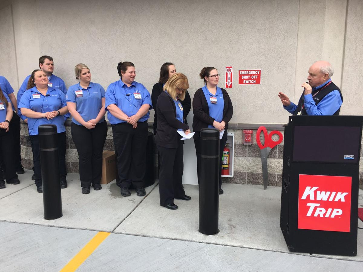 GALLERY: Lake Delton Kwik Trip holds ribbon cutting | Galleries