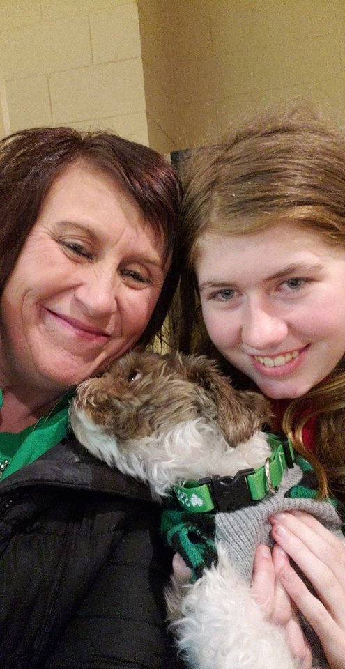 Jayme Closs reunited with relatives