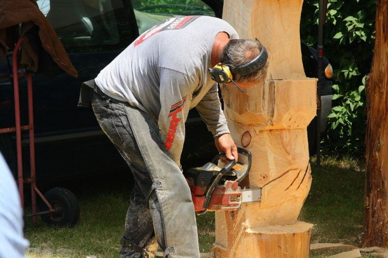 A Chain Saw was Used to Create Art