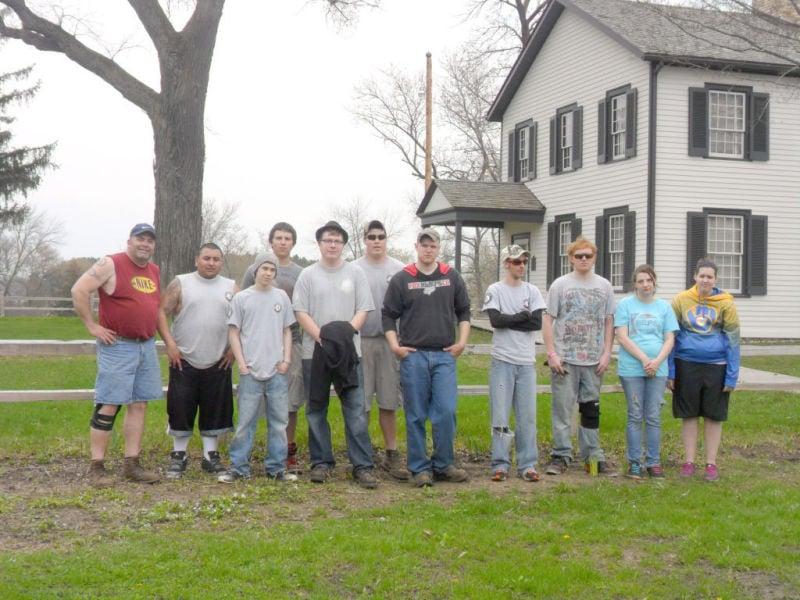 Fresh Start crew volunteers at Agency House