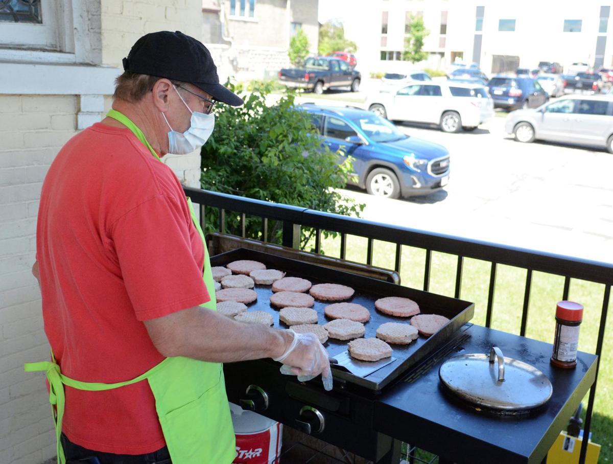 Paul O'Brion cooks at Elks