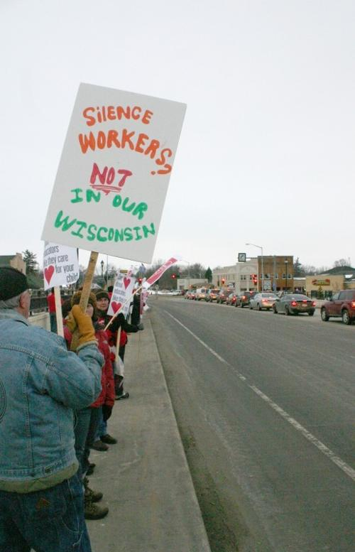 Teachers: Walker's proposal 'a union-busting bill'