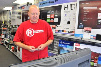 Baraboo Radio Shack finds new downtown home | Regional news